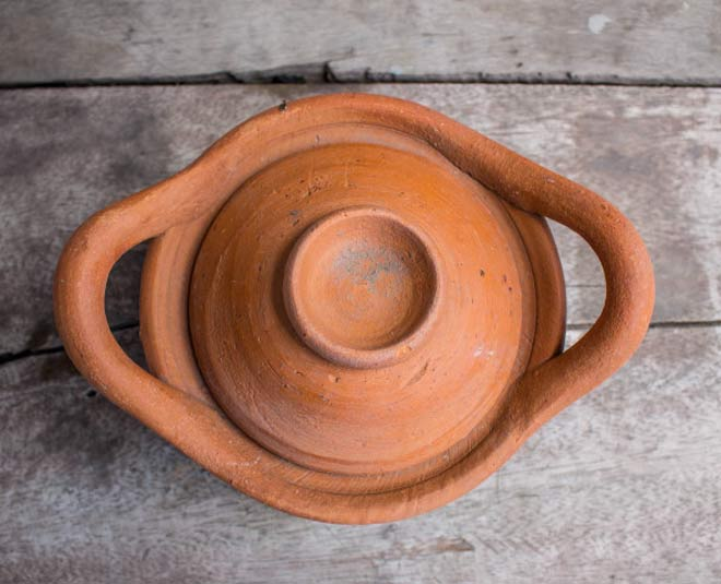 eco friendly clay utensils cleaning tips