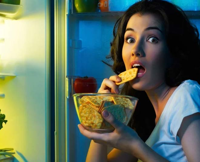 know about late night eating disadvantages tips