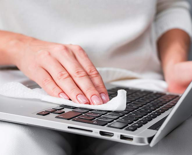 easy tips to clean laptop at home