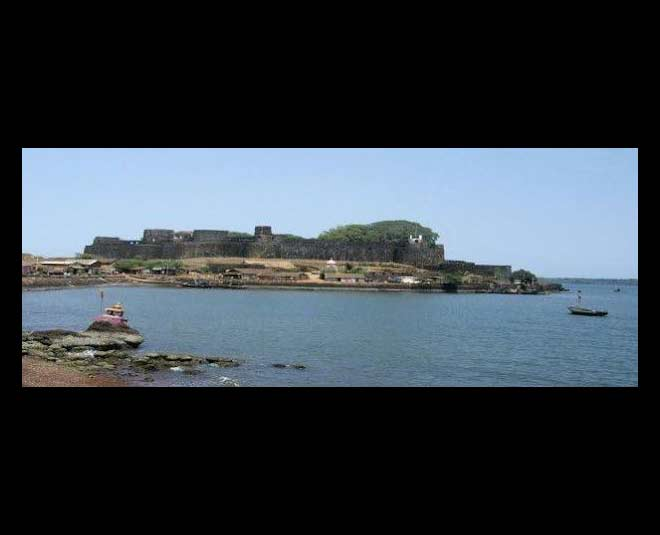 famous places to visit in ganpatipule jaygadh fort
