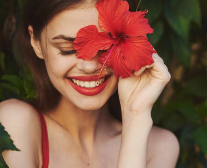 hibiscus  flower  uses  for  skin