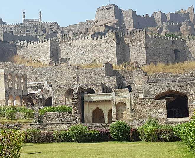 largest forts golkonda in india