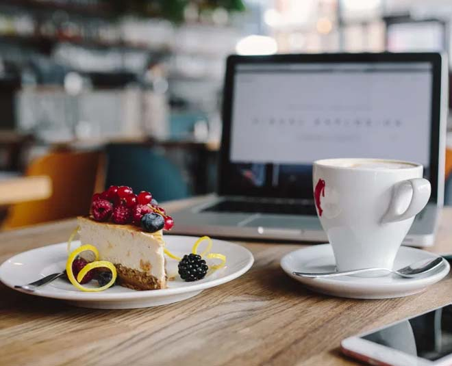 which cafes in bangalore have free wifi main