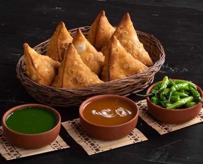 best samosa places in delhi main