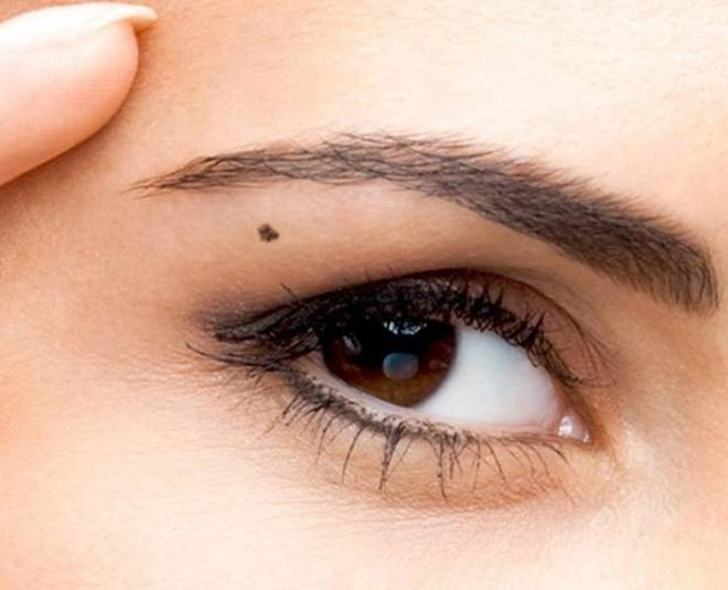 moles on eyes reveal your personality