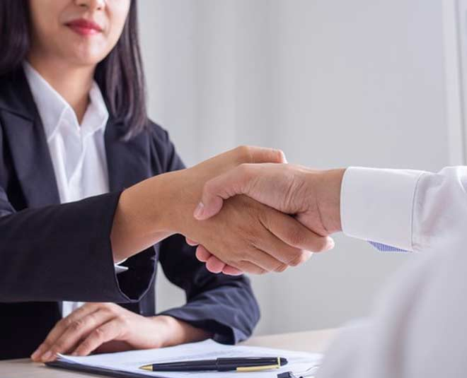 post interview etiquette tips to get job of your dreams