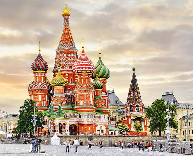 reasons to visit russia m