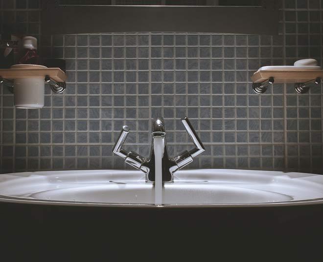 bathroom hardware shopping tips main