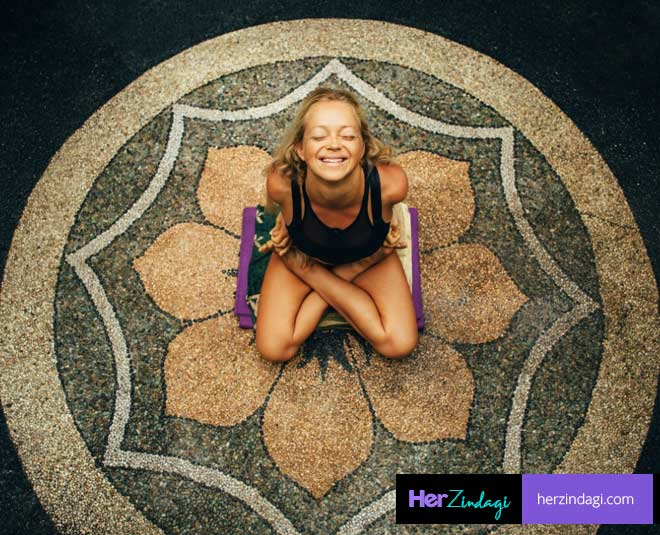 laughing yoga main