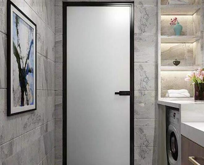 tips if bathroom door gets damaged from water tips
