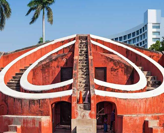 MAIN  Jantar Mantar travel tips in hindi ]