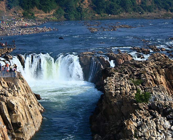 famous waterfalls in mp